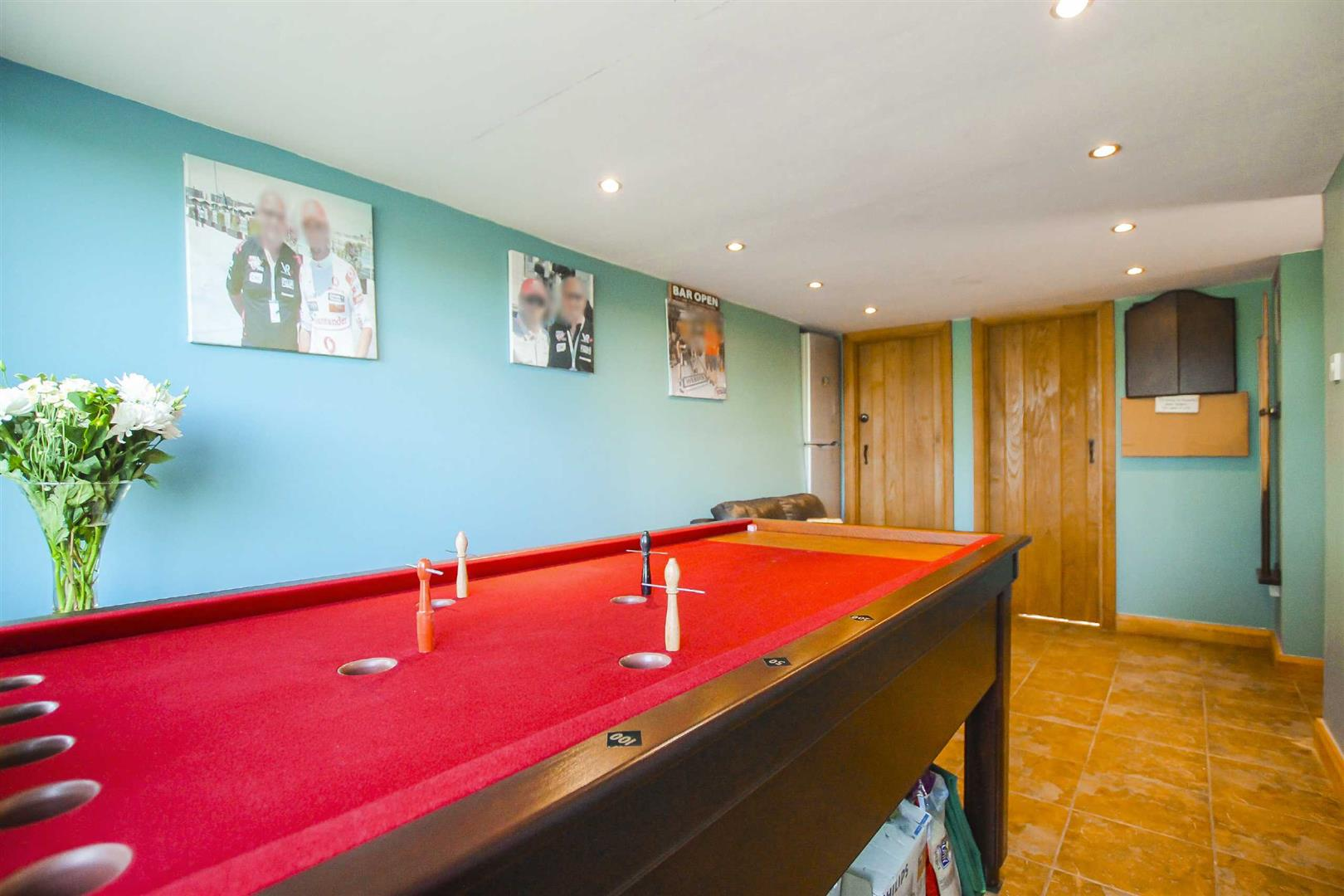 4 Bedroom Semi-detached House For Sale - Image 17